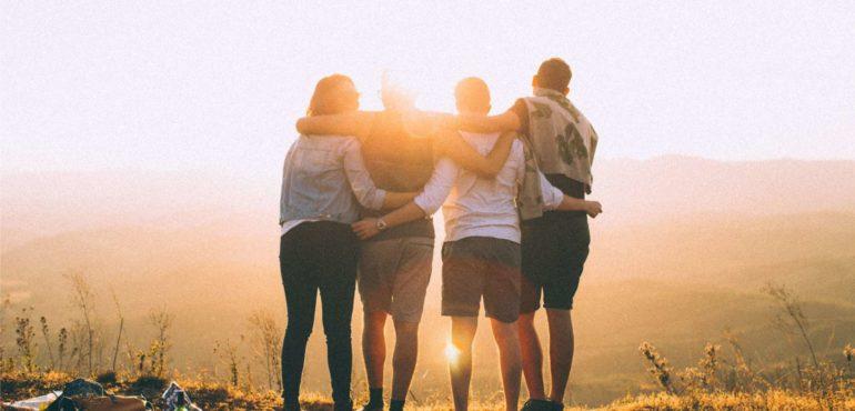Perché aiutare gli altri ci rende felici blog di Comunicazione Emotiva